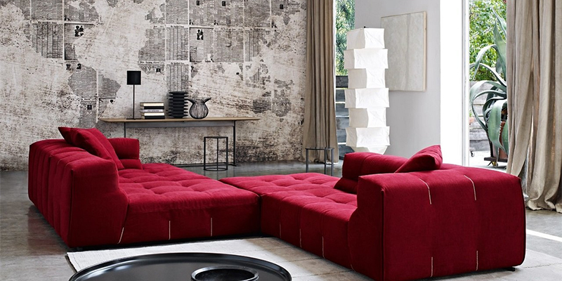 Бордовый диван